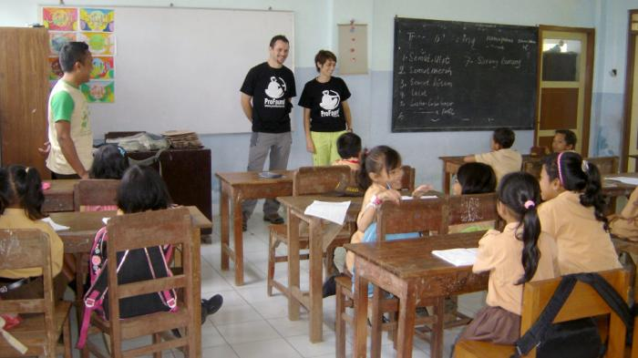 Voluntary teachers in the remote schools surrounding P-WEC