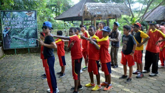 SMP Kuala Kencana Timika Papua Outing in P-WEC
