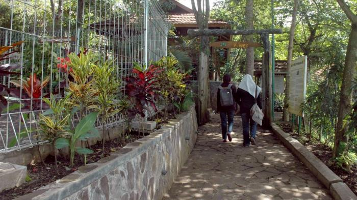 Pintu masuk fasilitas edukasi